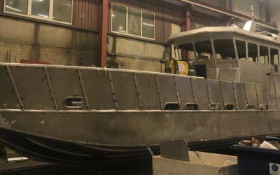 Den nye arbeidsbåten vår treng namn – no treng vi hjelp av deg